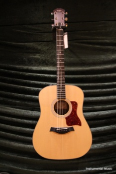 Taylor 110E Aucoustic Electric Guitar Sitka top Saple Back and Sides