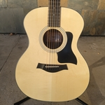 Taylor 114e Walnut with Solid Sitka Top