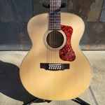 Guild F-2512e Maple Jumbo with Solid Spruce Top
