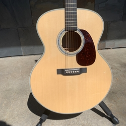 Martin Custom One Off Jumbo 14F Deep Quilt Maple and Adirondack Top