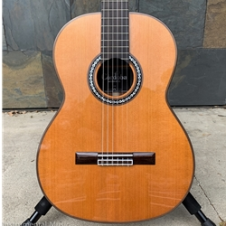 Cordoba C9 CD, Solid Cedar Top, Mahogany Back and Sides, with Hardcase